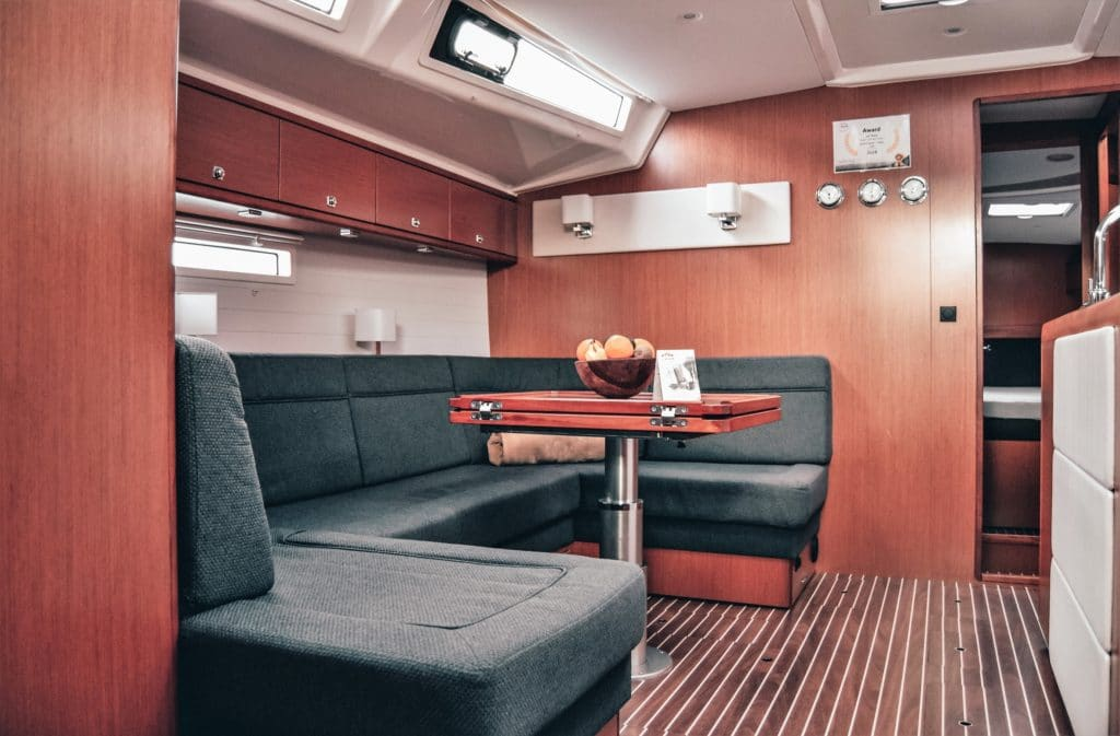 Interior Bavaria Cruiser 56 Gatsby