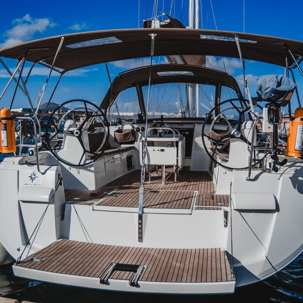La Flaca Jeanneau Sun Odyssey 519 Marina Lanzarote Sailing