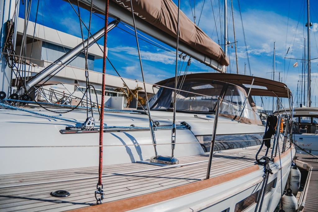 La Flaca Jeanneua Sun Odyssey 519 yacht charter Lanzarote